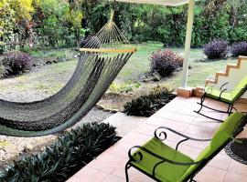 Tropical Paradise Bungalows, Pital