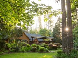 Eagle Rock Lodge, Vida