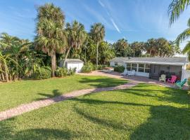 Fort Myers Home on Canal Home, פורט מאיירס