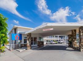 Motel 6 San Bernardino, CA - Downtown, 圣贝纳迪诺