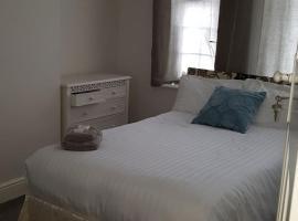 Bedroom in woodford