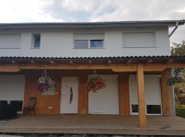 Guest House Forets Landaises, Radeljevo Selo