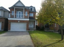 Private 3 bedroom Entire Home, Bowmanville