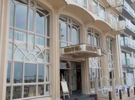 海滩宫廷酒店