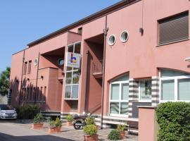 露比科奈酒店, 鲁比科内河畔萨维纳诺