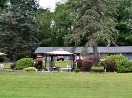 Chamber Lane Motel, Round Lake