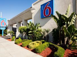 Motel 6 Newport Beach, קוסטה מסה