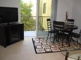 滨海大道附近两卧室公寓, 洛杉矶