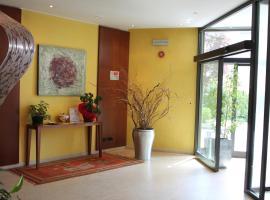 皮亚琴察费耶拉MH酒店, 皮亚琴察