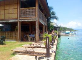 Marlin Bar Restaurant and Accommodation, Romblon