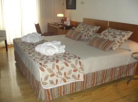 芒富拉戈公园酒店, 托雷洪厄尔卢比奥