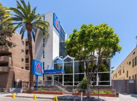 好莱坞6号汽车旅馆