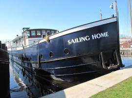 Botel Sailing Home
