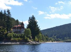 胡伯图斯酒店, 施卢赫湖