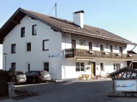 远足加自行车基地酒店, 巴特科尔格鲁布
