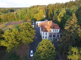Vila Olga, Jevany