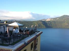 فندق كاستل غاندولفو, Castel Gandolfo