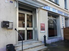 Hôtel Du Pont Neuf, Fontaine