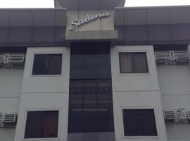萨宾娜套房酒店, 曼达维市