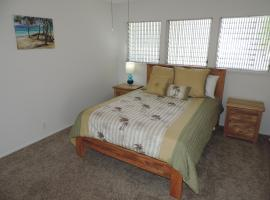 Newly Renovated Waterfront Home: Perfect for Families or Business Travelers!, 檀香山