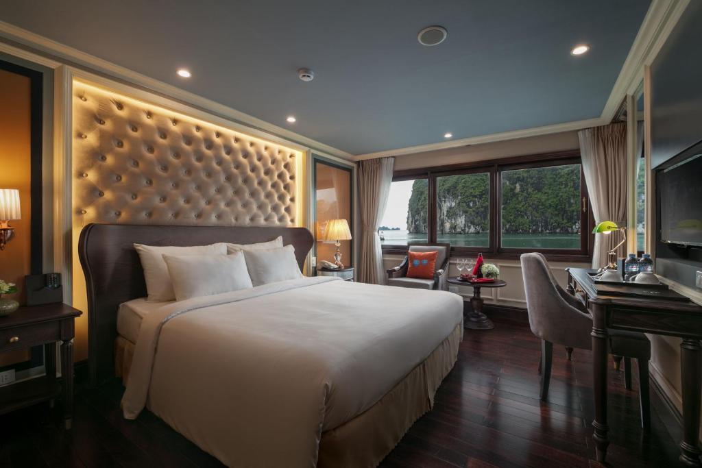Suite Elegant Giường Đôi/2 Giường Đơn Có Ban Công - 2 Ngày 1 Đêm