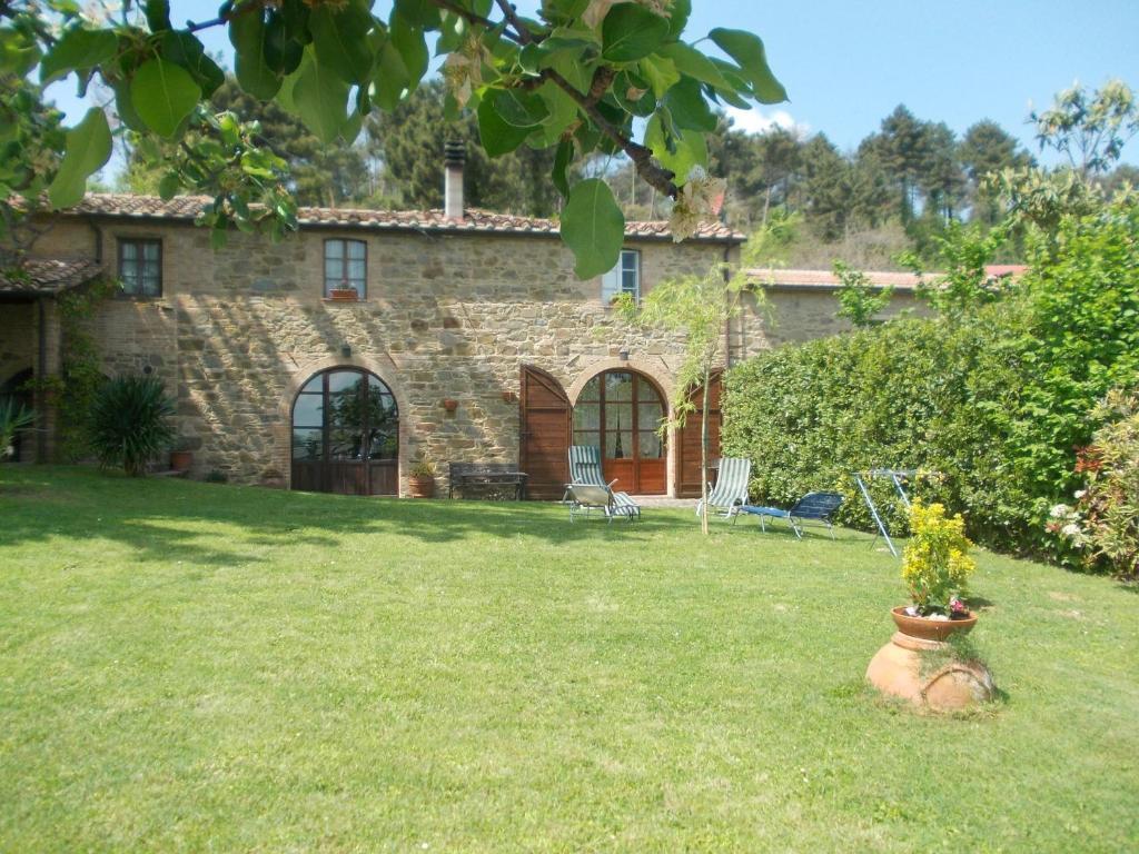 Casa julia con giardino e piscina privati casa julia con - Casa con giardino pisa ...