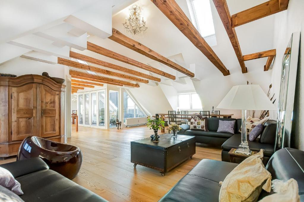ferienwohnung penthouse suite gasteig deutschland m nchen. Black Bedroom Furniture Sets. Home Design Ideas