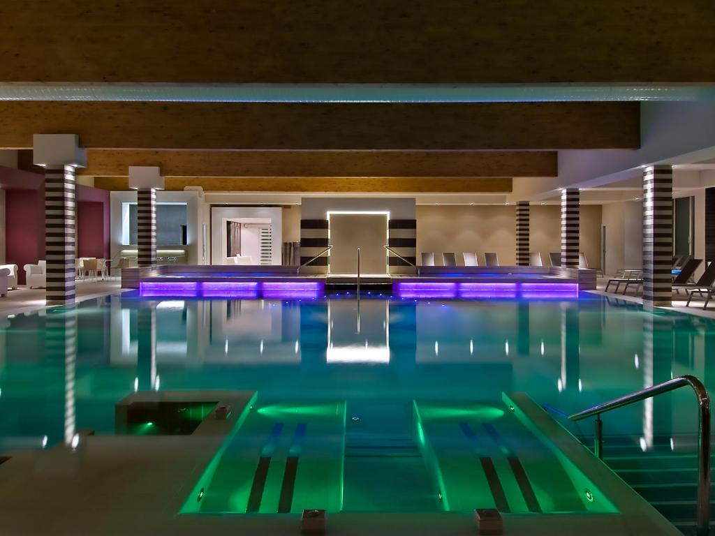 Hotel terme mioni pezzato italia abano terme - Hotel mioni pezzato ingresso piscina ...