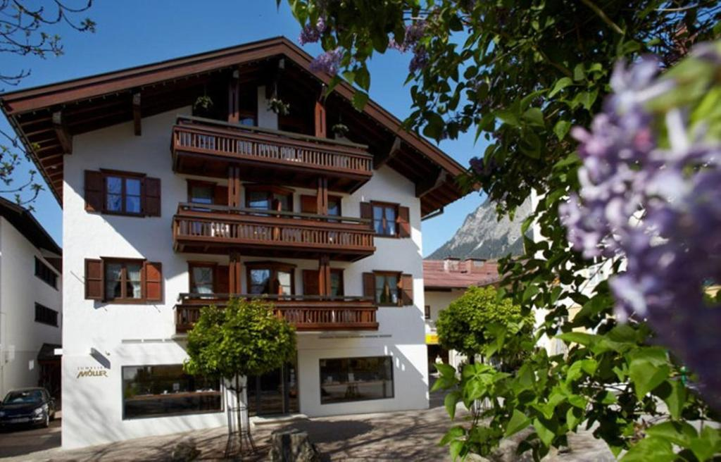 oberstdorf christian personals Join or log into facebook email or phone password.