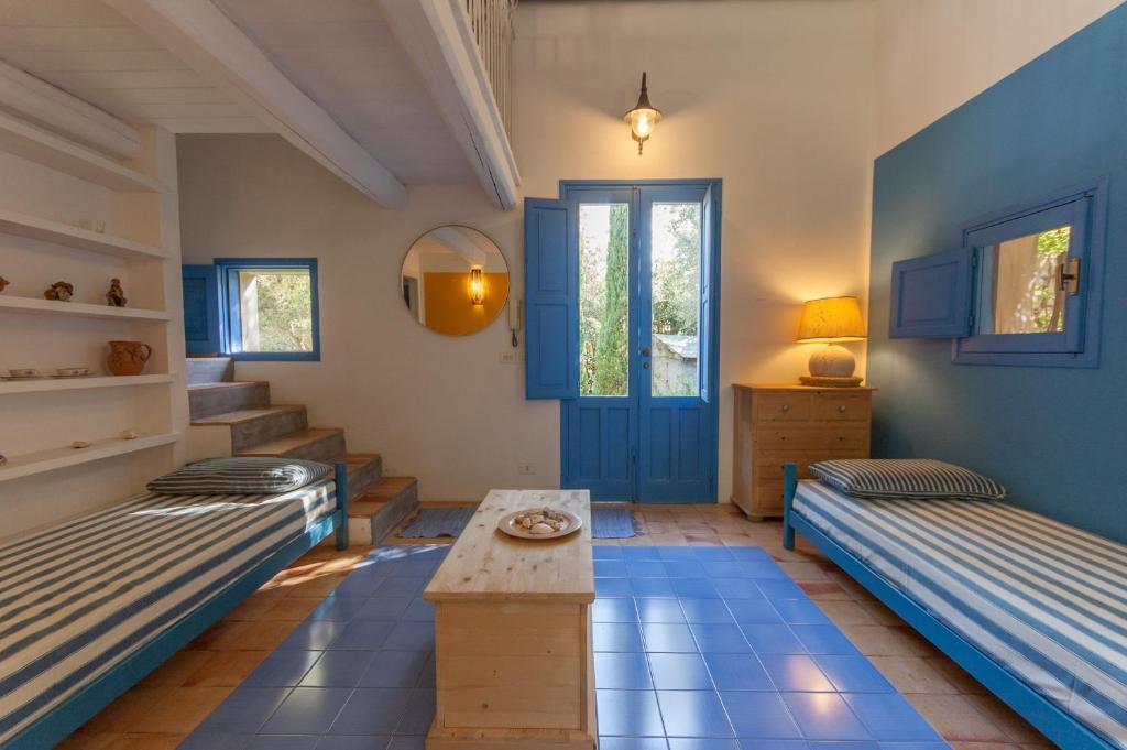 Casa vacanze casa blu italia fontane bianche for Casa vacanze milano