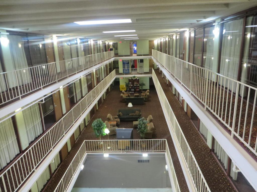 Th Avenue Hotel And Suites Rochester Mn