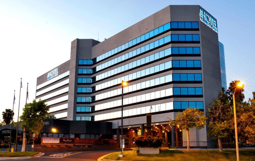 Kết quả hình ảnh cho Huntington Beach hotel