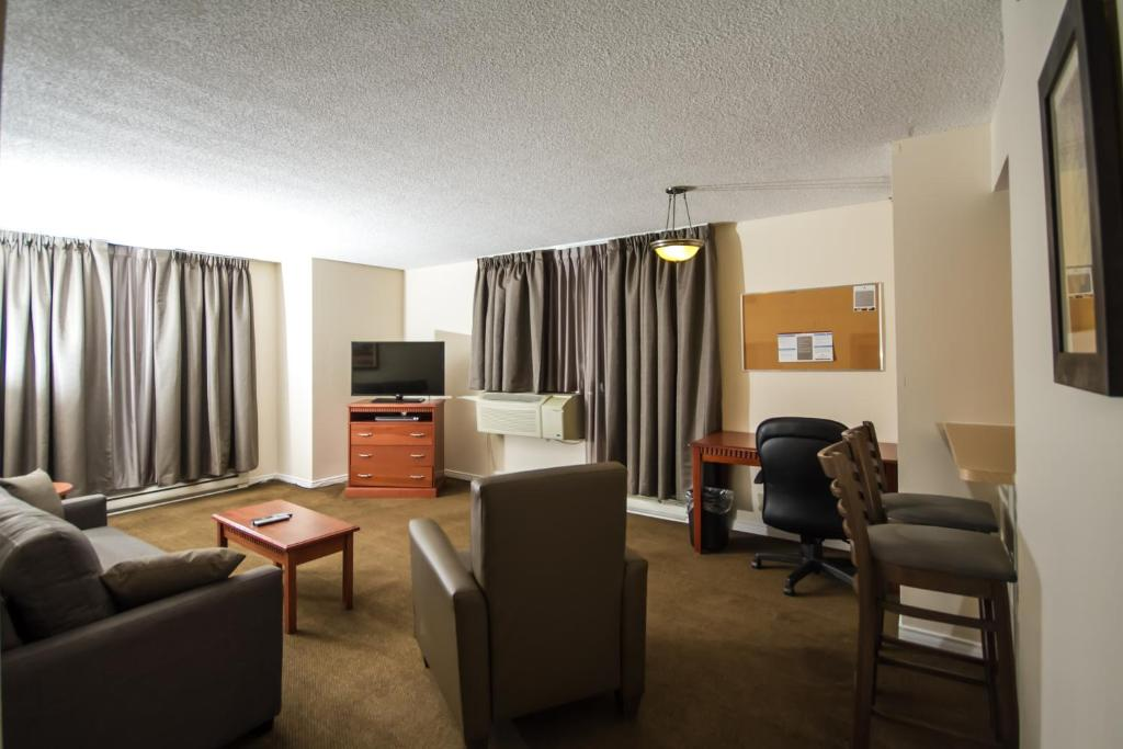 Candlewood Suites  Double Bed