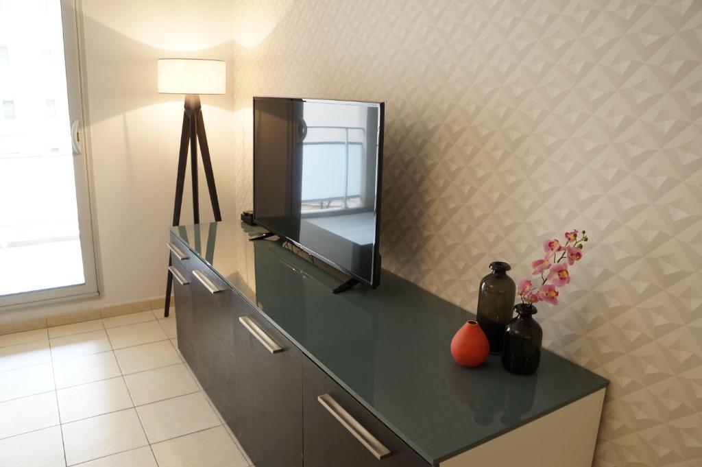 Appartement contemporain t3 saint charles appartement for Appartement contemporain