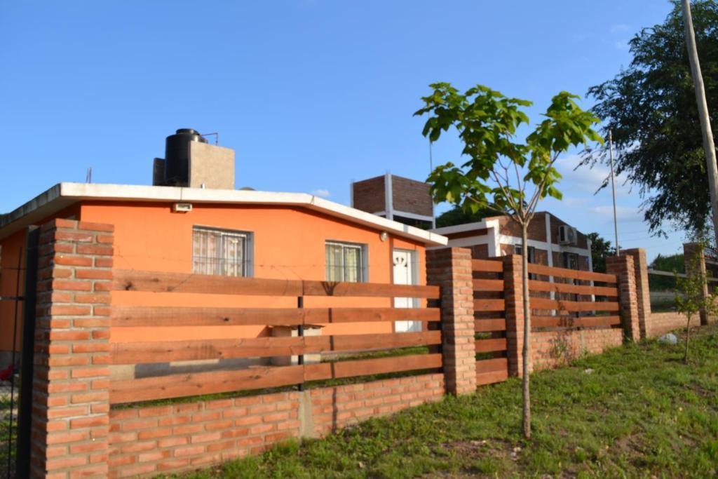 Casas cordoba villa parque siquiman for Inmobiliarias cordoba