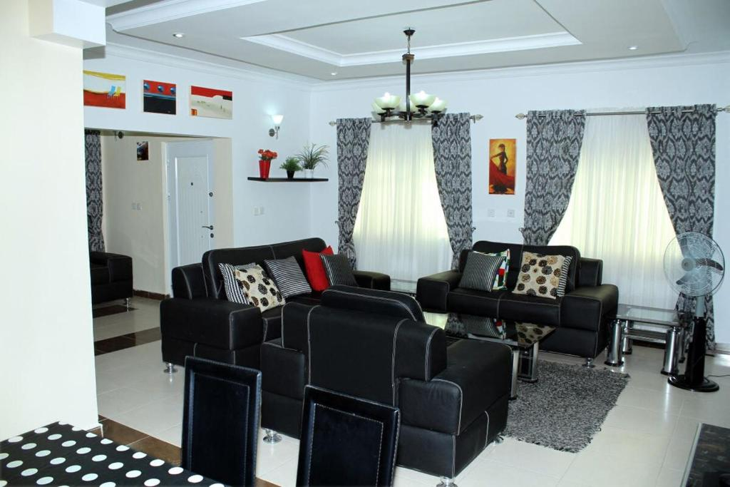 Beautiful bungalow lekki c p nh t gi n m 2018 for Interior home designs in nigeria