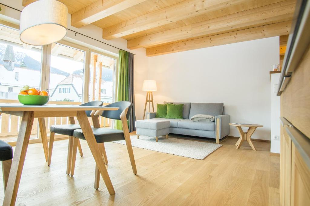 ferienwohnung in den bergen. Black Bedroom Furniture Sets. Home Design Ideas