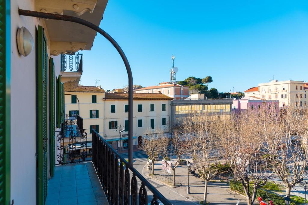 Appartamento al mare italia portoferraio for Appartamento al mare design