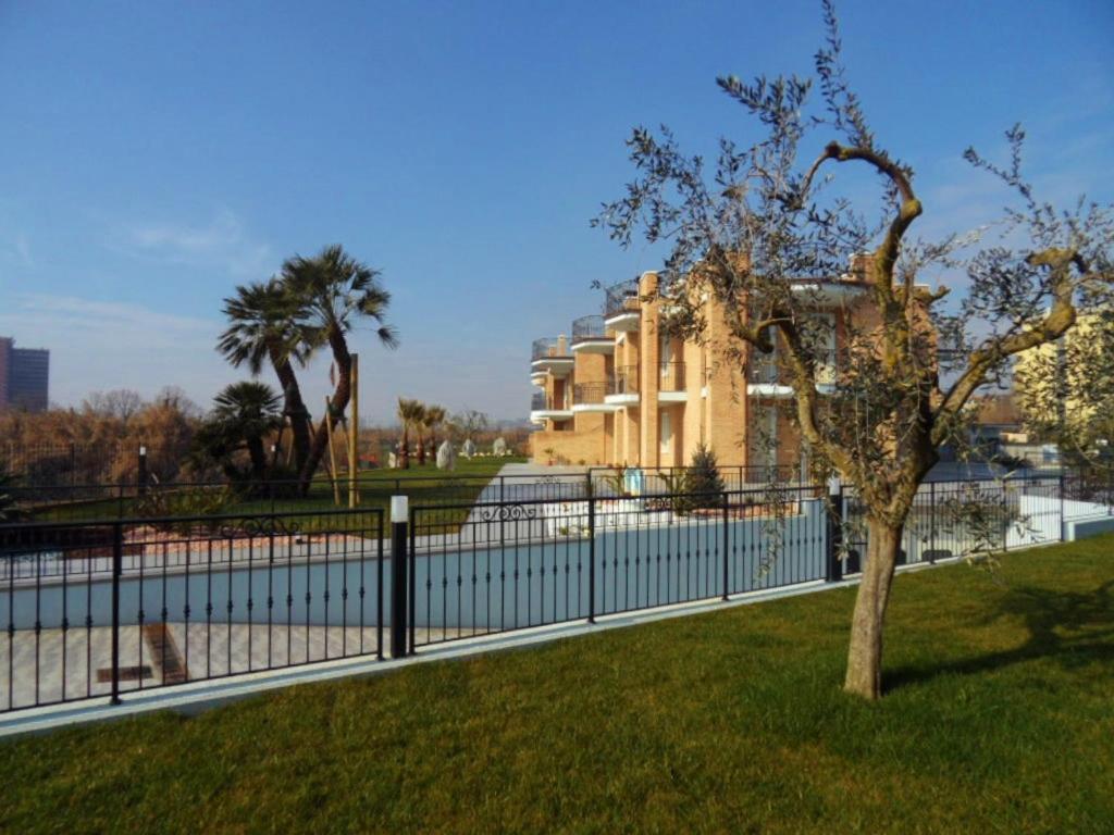 Residence il laghetto italia porto recanati for Il laghetto