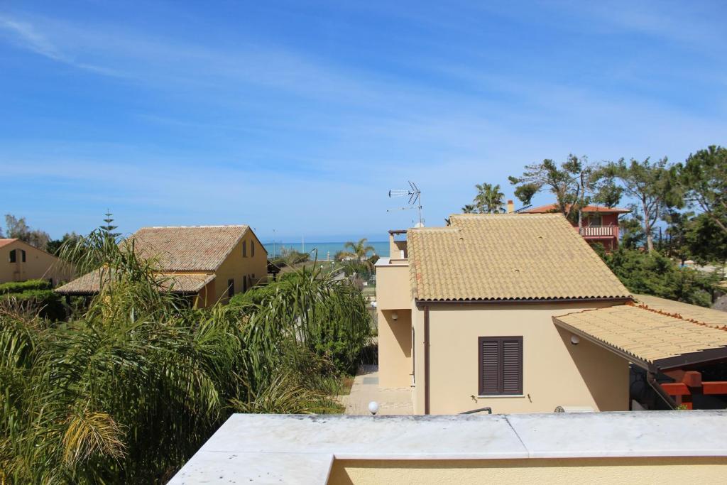 Casa vacanze roccella beach italia campofelice di for Casa vacanze milano