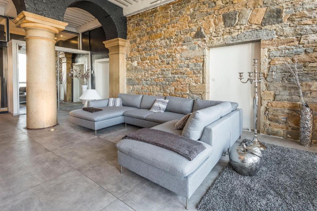 le loft d 39 herbouville lyon ph p. Black Bedroom Furniture Sets. Home Design Ideas