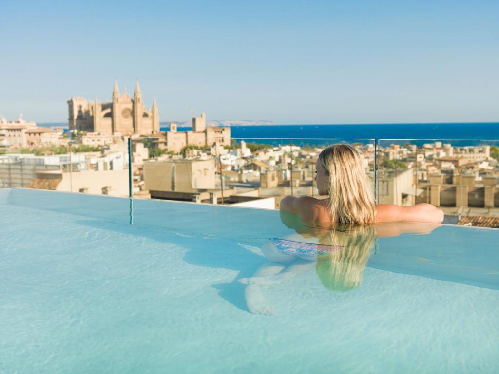 Nakar hotel spanien palma de mallorca for Palma de mallorca hotels with swimming pool