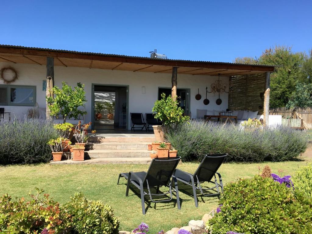The french cottage s dafrika prince albert for Country kitchens south africa