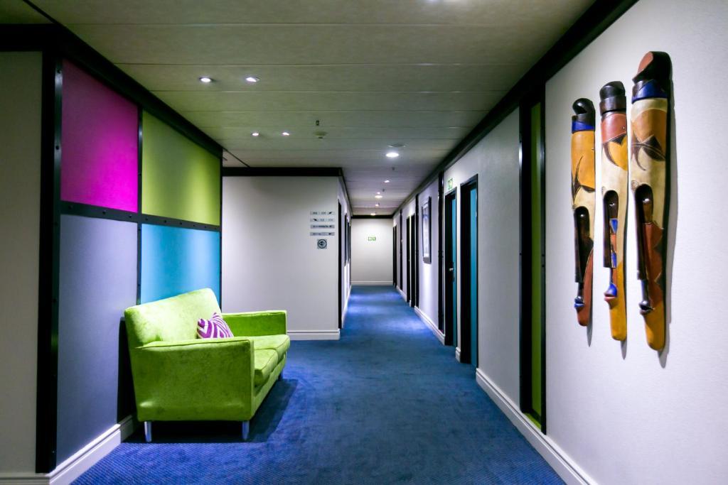 .... Cape Town Lodge Hotel 95212318.jpg