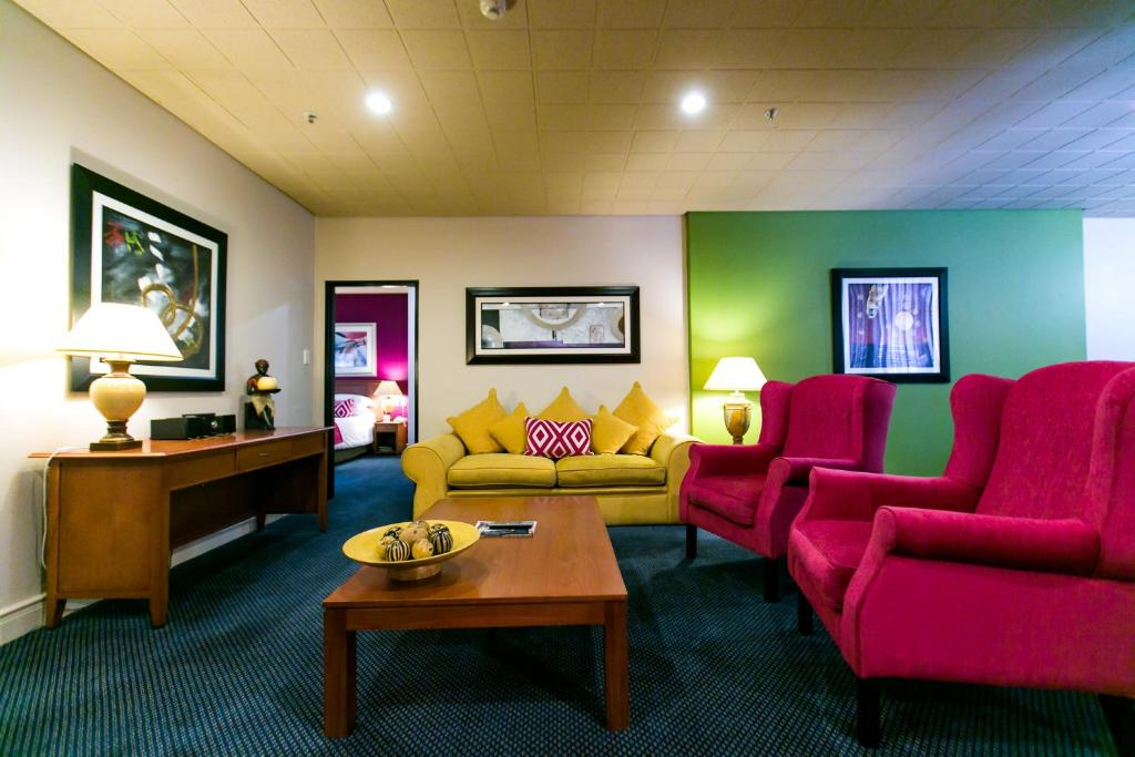 .... Cape Town Lodge Hotel 95230992.jpg