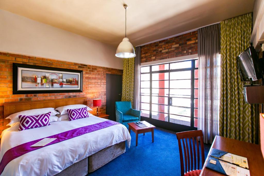 .... Cape Town Lodge Hotel 96254820.jpg