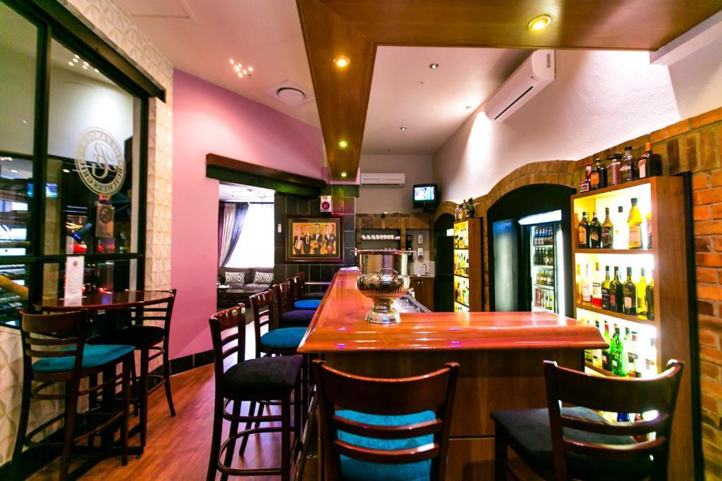 .... Cape Town Lodge Hotel 96255000.jpg