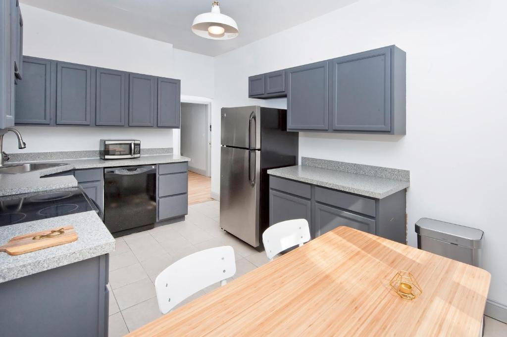 Three Bedroom Hoboken Apartment Hoboken C P Nh T Gi