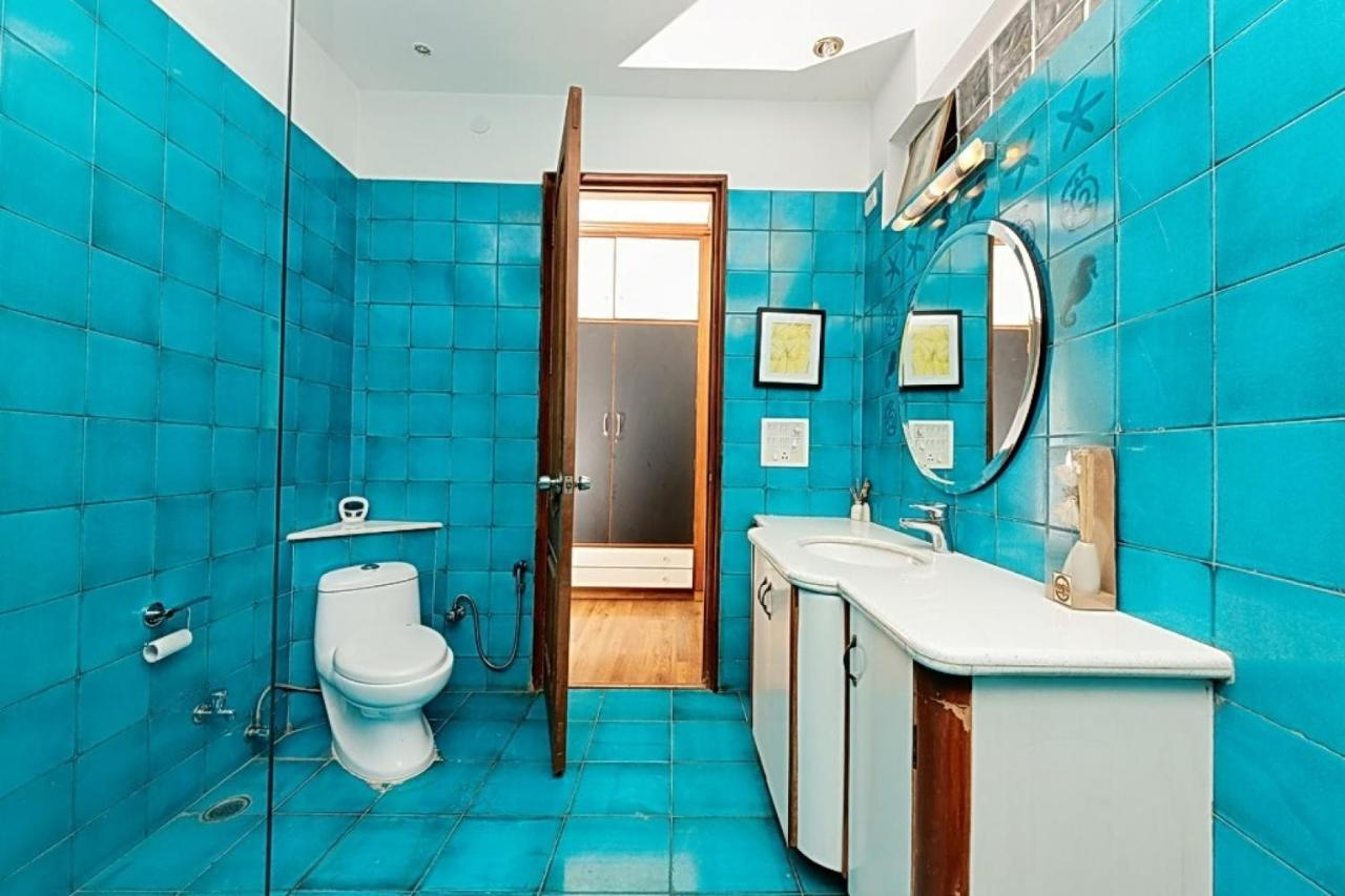 1 BR Bed & Breakfast in DLF Phase 1, Gurgaon, by GuestHouser (95A5 ...