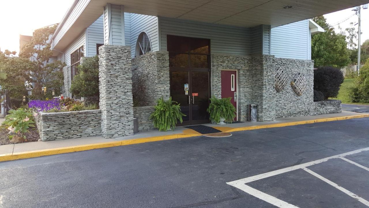 Americourt Hotel Mountain City